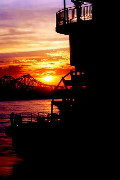 Stunning sunset behind the American Queen. Enjoy a Mississippi river cruise & experience the history, heritage and culture of America's heartland aboard a genuine steamboat like the #AmericanQueen! http://www.pleasantholidays.com/PleasantHolidaysWeb/HTMLPagesDisplay.do?screenName=cruise_usa.html