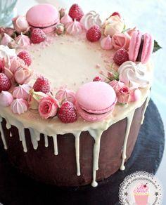 24 epic macaroon birthday cake ideas to inspire your next birthday celebrations - Vany rezepte - Macaron Girly Birthday Cakes, Ice Cream Birthday Cake, Happy Birthday, Frozen Birthday, Amazing Birthday Cakes, Birthday Cake Designs, Sweet Birthday Cake, Girly Cakes, Birthday Cake Decorating