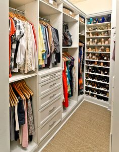 60 brilliant master bedroom organization decor ideas, walk in closet design, walk in closet storage Walk In Closet Design, Bedroom Closet Design, Master Bedroom Closet, Closet Designs, Small Walk In Closet Ideas, Master Bedrooms, Diy Bedroom, Closet Redo, Master Closet Layout