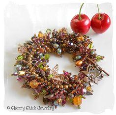Fringe Jewel Bracelet... #BeadedBracelet #FringeBracelet #Beadwork #CherryChick