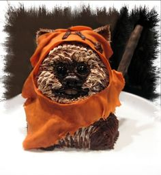 Ewok by Promeegirl. I'm pretty sure this is the best use of buttercream I've ever seen.