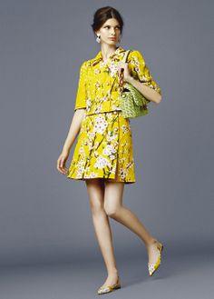 #dolce&gabbana #printfloral #flores #fashion #trends #tendenciafloral. http://www.studyofstyle.com//articulos/la-revoluci%C3%B3n-de-la-flores