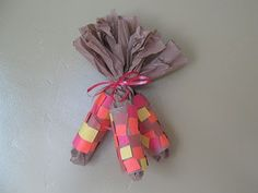 Almost Unschoolers: Toilet Paper Tube Indian, or Harvest Corn Napkin Rings, and Decorations. Thanksgiving Preschool, Fall Preschool, Thanksgiving Crafts For Kids, Preschool Crafts, Kids Crafts, Thanksgiving Cornucopia, Preschool Ideas, Thanksgiving Recipes, Teaching Ideas