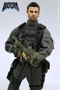 "toyhaven: VTS 1/6 Dark Soldier 12"" Figure or Karl Urban as SSGgt John ""Reaper"" Grimm in Doom Review 2"