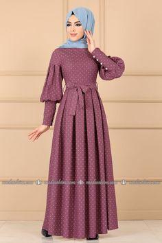 Mode Selvim Polka Dot Plissee Kleid Rose getrocknet Designers Designer Clothing Source by lorahrochmodetrends dresses hijab Abaya Fashion, Women's Fashion Dresses, Muslim Women Fashion, Sleeves Designs For Dresses, Muslim Dress, Hijab Dress, Mode Hijab, Modest Dresses, Clothes For Women