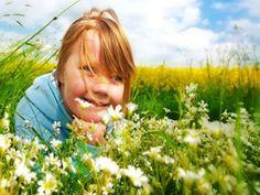 Frische Landluft tut gut. Erfahren Sie hier, ob Landkinder seltener an Asthma leiden.