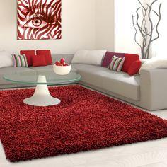 Rode vloerkleden | Effen Hoogpolige Vloerkleed | Rood - vloerkleeddiscounter Stairway Art, Burgundy Living Room, Red Wind, Front Rooms, Basement Stairs, Warm Colors, Antalya, Shag Rug, Living Room Decor