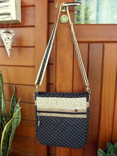 Bolsa Carteiro ( Patchwork ) Shoulder Bag, Bags, Shoulder Purse, Ideas, Personalized Tote Bags, Handbags, Shoulder Bags, Taschen, Purse