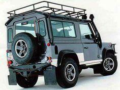 Land Rover Defender 90 Tomb Rider
