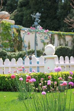 pretty corner from Minnie's house, Tokyo Disneyland photo by Kerorin