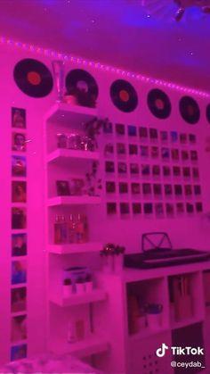 Indie Room Decor, Cute Bedroom Decor, Room Design Bedroom, Teen Room Decor, Aesthetic Room Decor, Room Ideas Bedroom, Hippie Bedroom Decor, Cool Room Decor, Girl Bedroom Designs
