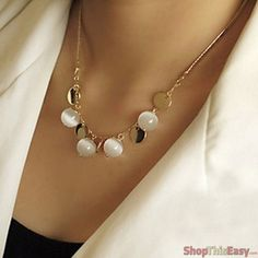 Elegant Retro Opal Pearl Necklace
