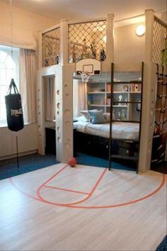 スポーツ大好きな子にピッタリのお部屋。ベッドスペースの棚にはトロフィーがたくさん飾れそうです♪