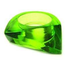 Vintage 80s Lucite Ring