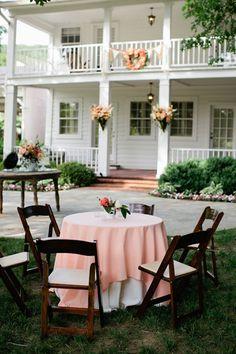 peach linens | Kristyn Hogan #wedding