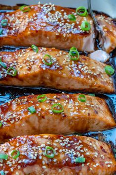 Flaky and tender salmon with a delicious homemade teriyaki sauce, baked to perfection for an easy healthy dinner option. Baked Salmon Recipes, Fish Recipes, Seafood Recipes, Baking Recipes, Teriyaki Glazed Salmon, Teriyaki Fish, Make Teriyaki Sauce, Pain Artisanal, Japanese Recipes