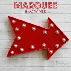 Can you even believe this Marquee sign is edible??? It's a brownie. Amazing! See how to make it at The Partiologist.com.