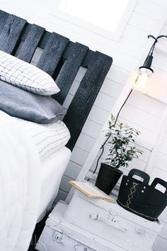 Black #pallets headboard