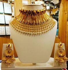 Ali Baba Selani Gold and diamond international saplayer wholesaler Dubai Gold Temple Jewellery, Gold Jewelry Simple, Chokers, Choker Necklaces, Indian Jewelry, Wedding Jewelry, Jewelry Collection, Dubai, Ali Baba