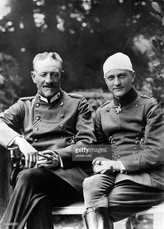 WWI Flying Ace Red Baron with His Father Original caption: Photograph of Baron Manfred von Richthofen with his father after being wounded at the front. Wilhelm Ii, Kaiser Wilhelm, Military News, Military History, World War One, First World, Women In History, History Online, British History