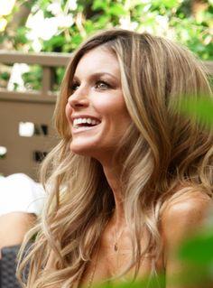 Ga je binnenkort trouwen en wil je prachtig zomers blond haar, zonder nog meer geld uit te geven? Probeer deze tips voor natuurlijk blond haar.
