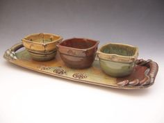 clay pottery ideas for beginners Pottery Plates, Slab Pottery, Ceramic Pottery, Pottery Art, Ceramic Clay, Ceramic Bowls, Pottery Designs, Pottery Ideas, Beginner Pottery