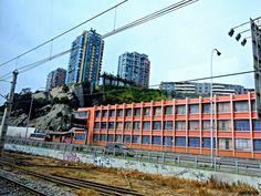 https://flic.kr/p/QxHrjM | ViñaDelMar032 | Escuela Industrial, Sector Curva Los Mayos, a través de ventana del Metro de Valparaíso, Viña del Mar, Valparaíso, Chile.