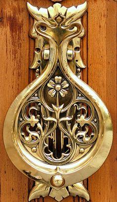 49 ideas brass door knobs art nouveau for 2019 Door Knobs And Knockers, Knobs And Handles, Door Handles, Cool Doors, Unique Doors, Art Nouveau, Porte Cochere, Door Detail, Door Accessories