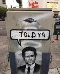 Dana Scully, David Duchovny, The Mentalist, Gillian Anderson, Me Tv, Street Art Graffiti, Funny Relatable Memes, Banksy, Urban Art