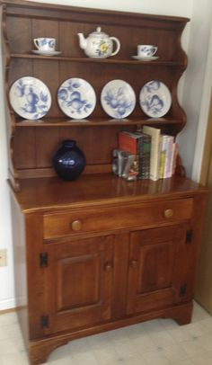 Colonial Cushman with Tiffany china!