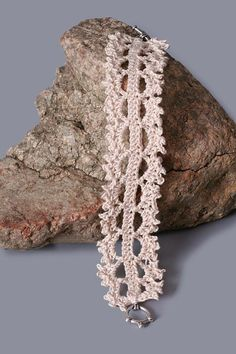 crochet bracelet pattern | Crochet Thursday: Get Hooked! 6 Gorgeous Jewelry Crochet Patterns