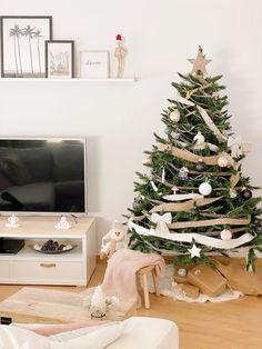 Decoresty – Decoración, restauración, diy e ideas low cost para decorar tu hogar Nordic Style, Diy, Christmas Tree, Holiday Decor, Home Decor, Home Decorations, Furniture, Metal Cabinets, Houses