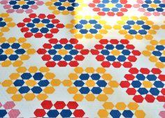 Antique Tennessee QUILT Hexagon, Star, Grandmother's Flower Garden - what a beautiful quilt!