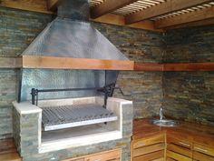 PERGOLAS Y QUINCHOS: quinchos Outdoor Kitchen Grill, Backyard Kitchen, Outdoor Kitchen Design, Outdoor Cooking, Backyard Patio, Backyard Ideas, Barbecue, Bbq Grill, Outdoor Patio Designs