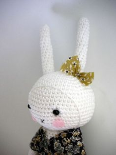 Here's an idea ~ My little girl would love it if I made her a crocheted bunny!