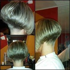 Pretty Pale Blonde - 60 Layered Bob Styles: Modern Haircuts with Layers for Any Occasion - The Trending Hairstyle Graduated Bob Haircuts, Shaggy Haircuts, Stacked Bob Hairstyles, Girls Short Haircuts, Modern Haircuts, Layered Haircuts, Short Hair Cuts, Short Hair Styles, Shaved Nape