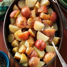 Browned Butter Red Potatoes Recipe -I've been making my version of Dad's potatoes for years, and it goes great with any meal. Browning the butter gives the potatoes a whole new taste. —Anne Pavelak, E (Favorite Pins Butter) Red Potato Recipes, Veggie Recipes, Great Recipes, Cooking Recipes, Favorite Recipes, Potluck Recipes, Grilling Recipes, Easy Recipes, Chicken Recipes