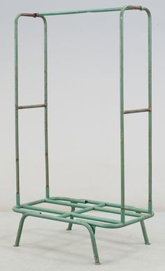 Bauhaus clothes rack
