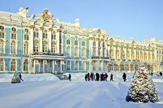 The Catherine Palace in St Petersburg, Russia, is one of the northernmost Rococo buildings. St Petersburg Russia, Winter Palace St Petersburg, Russian Architecture, Baroque Architecture, Monuments, Wonderful Places, Beautiful Places, Madame Du Barry, Catherine The Great