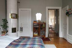 Koti Italiassa - A Home in Italy The Selby Koti Uruguaissa - A Home in Uru. Swedish Design, Scandinavian Design, World Decor, Bedroom Colors, Home Bedroom, Interior Inspiration, Kitchen Decor, Kitchen Ideas, New Homes