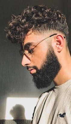 Cabelo, barba e óculos