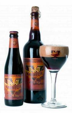 Cerveja Malheur 12°, estilo Belgian Dark Strong Ale, produzida por De Landtsheer, Bélgica. 12% ABV de álcool.