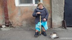 Pretending to photograph the babushka the cat didnt ask any questions.