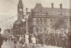 1935 or - Albert Road and the Town Hall in Middlesbrough decorated for a Royal occasion Uk History, Family History, Middlesbrough Town Hall, My Town, North Yorkshire, Boro, Taj Mahal, Christmas Ideas, Nostalgia