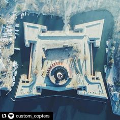 From the sky. Vistula Mouth Fortress (Twierdza Wisłoujście) located in direct proximity to the #Westerplatte peninsula.  Photo by @custom_copters. #gdansk #ilovegdn #above #fromthesky #lookingdown #wisloujscie #fortress #poland