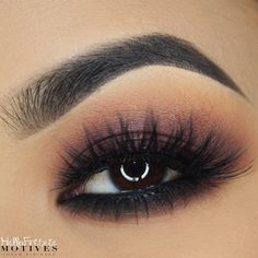 """✨ soft cranberry look @houseoflashes ICONIC LASHES also my first eye closeup using my stellar diva 18"""" ring light Deets coming up .."""