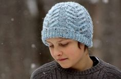 Ravelry: Antler Hat pattern by tincanknits Free pattern To Fit: Baby (Child, Adult Small, Adult Large) Head Circumference: 16 inches Worsted / 10 ply wpi) ? Gauge: 18 stitches US 6 - mm US 8 - mm 120 - 200 yards - 183 m) Sizes: Baby - Adult Knitting Patterns Free, Free Knitting, Hat Patterns, Pattern Ideas, Knit Or Crochet, Crochet Hats, Holiday Hats, Fruit Pattern, Knitting Accessories