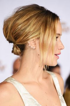 "The BEST beauty looks from the ""Mockingjay"" premiere"