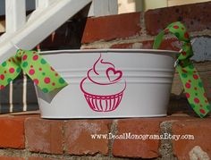 Hey, I found this really awesome Etsy listing at https://www.etsy.com/listing/62361212/cupcake-vinyl-decal