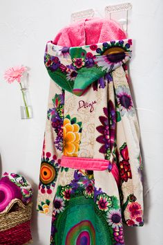 This soft floral Desigual bathrobe is too good to stay on the hanger!
